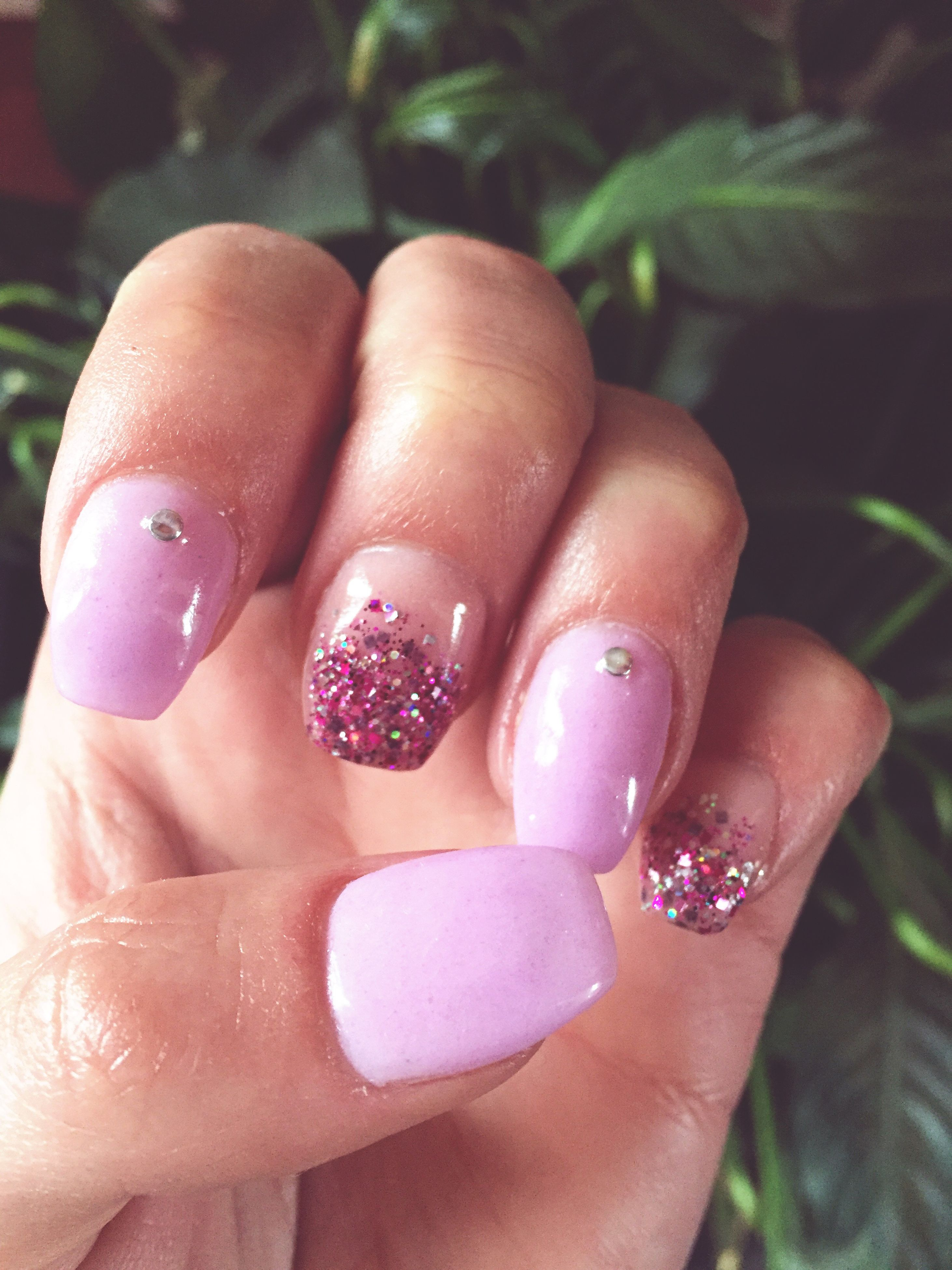 human hand, human body part, human finger, one person, close-up, nail art, fingernail, nail polish, one woman only, real people, only women, adults only, people, adult, day, outdoors