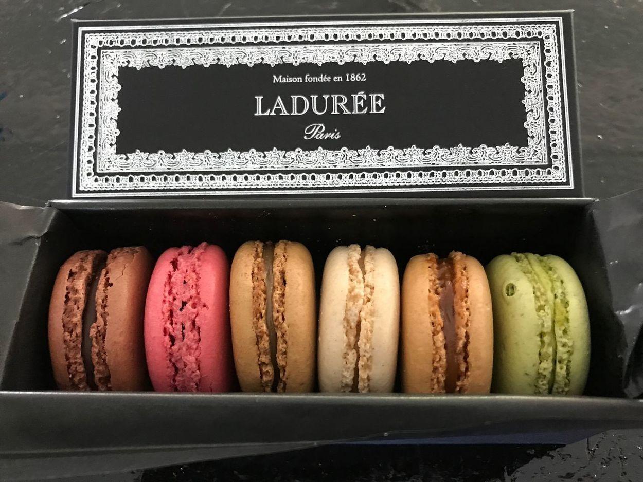 La Duree La Durée Paris Paris, France  Paris Macarons Friend's Gift Friend Gift Freshness Deliciousness The Week On EyeEm