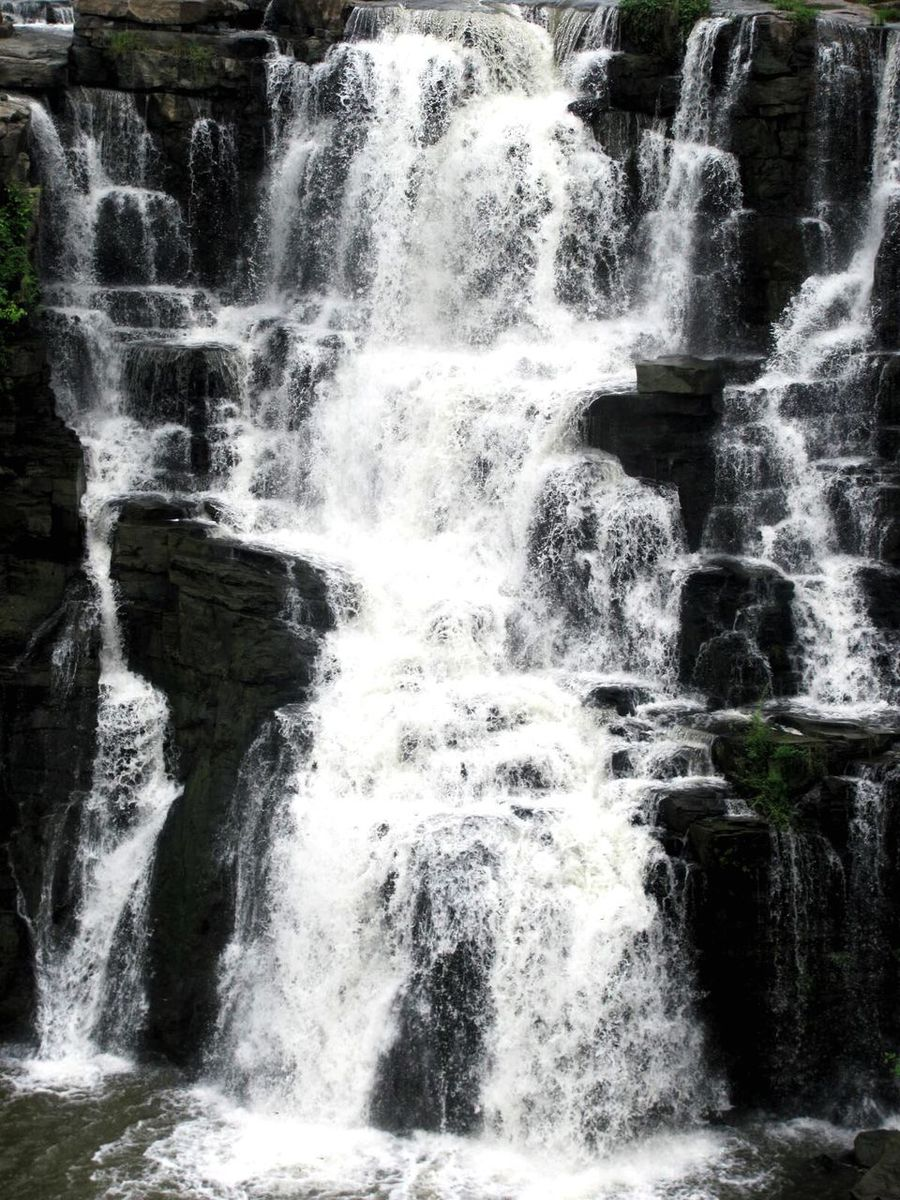 Waterfall Rocky Rock Water Flowing Water Motion Splashing Nature Flowing Constant Flow Beauty In Nature Freshness By The River Nature EyeEmNewHere