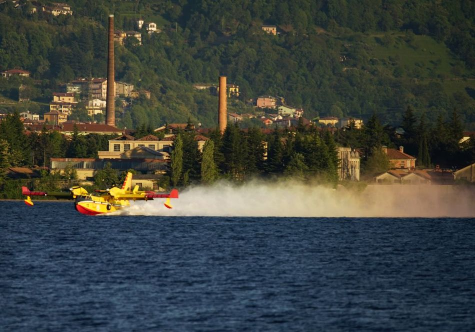 Water Canadair Arcobaleno  Rainbow