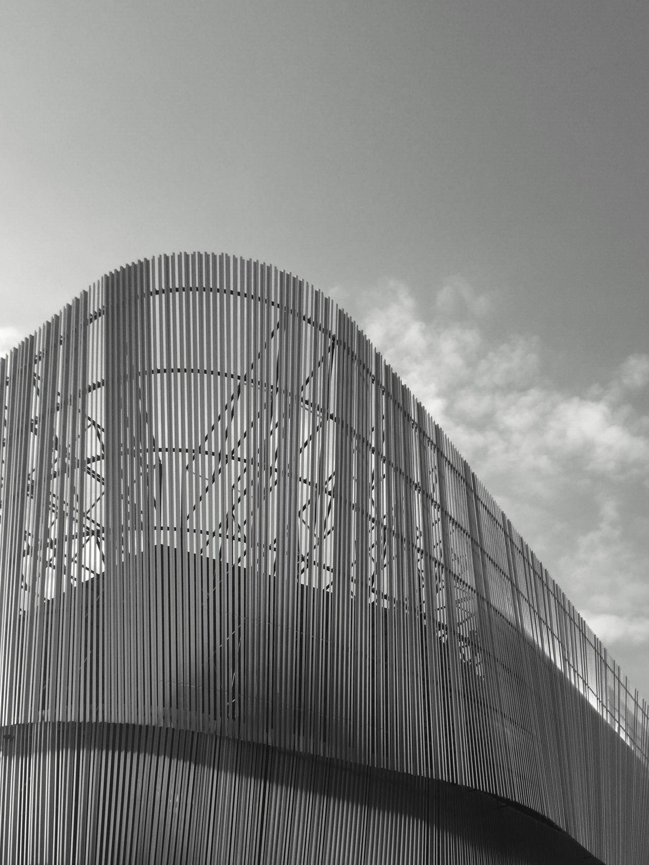 Architecture Built Structure Day Architectural Feature EyeEm Black&white! Shadows EyeEm EyeEm Best Shots Minimalism Minimalist Bw_collection EyeEm Bnw Streetphoto_bw EyeEm Team Minimalism_bw Architecture Architectural Column Building Exterior Building Story