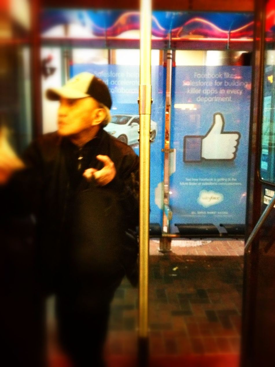 Thumbs Up for Public Transportation , a necessity for Urban Life and Citylife My Daily Commute