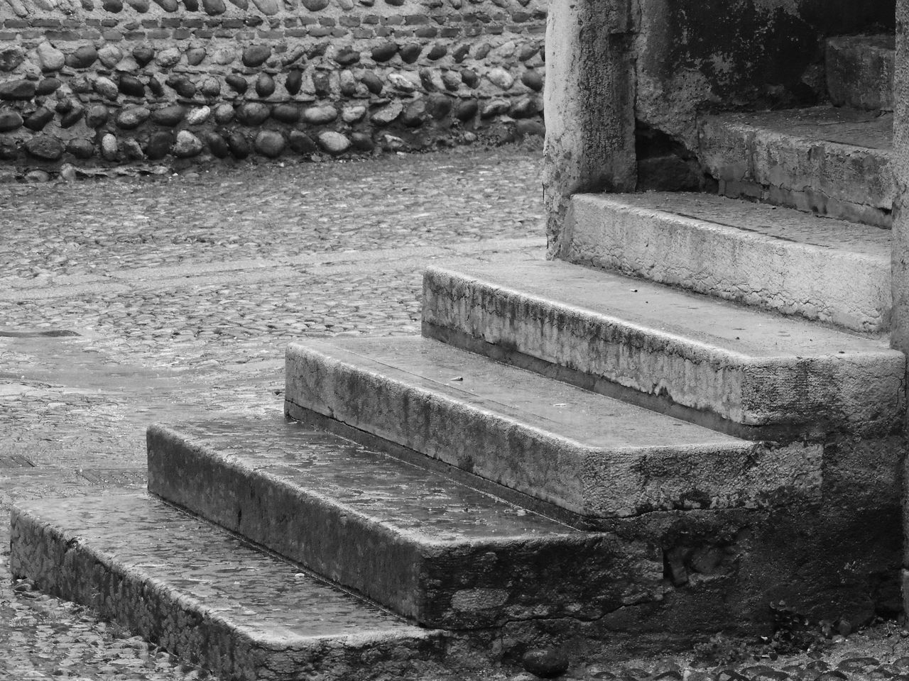 Black & White Black And White Black And White Photography Black&white Blackandwhite Blackandwhite Photography Blackandwhitephotography Close-up Cultures Day Japanese Garden Nature No People Outdoors Stair Stairs Stairs & Shadows Stairs_collection Steps Stone - Object Water