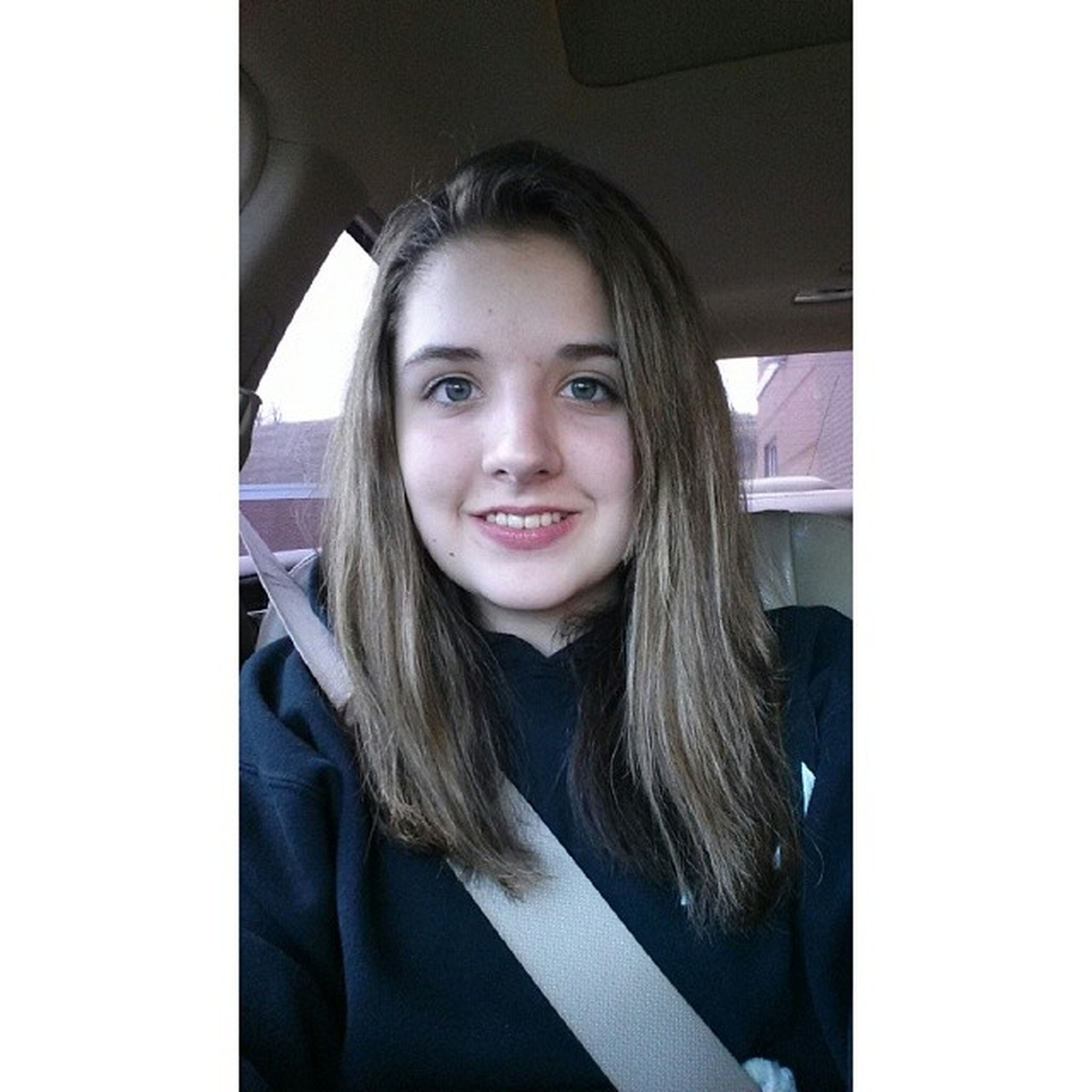 A smile for a smile. Bracesoff Badselfie Goodselfie  ? livinglife afterschoolselfie