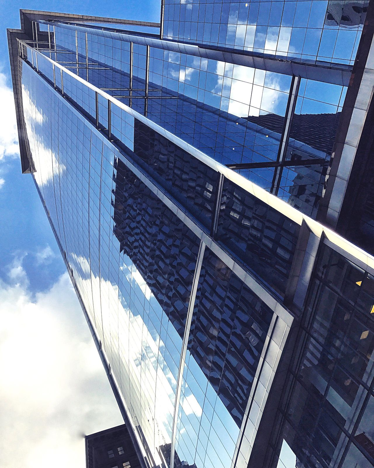 Architecture Lookup Reflection Clouds And Sky Low Angle View Skyscraper Chicago Architecture Chicago Skyline Loop Chicagoloop Mirror Sunny☀ Sky City Eyeemphotography EyeEm Gallery EyeEm Urban Landscape Urban Geometry IPhoneography