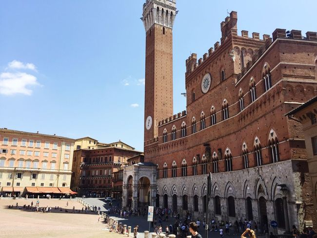 Piazza Del Campo Siena Italia Toscana Visiting Tourist Historical Building July 2016 IPhoneography