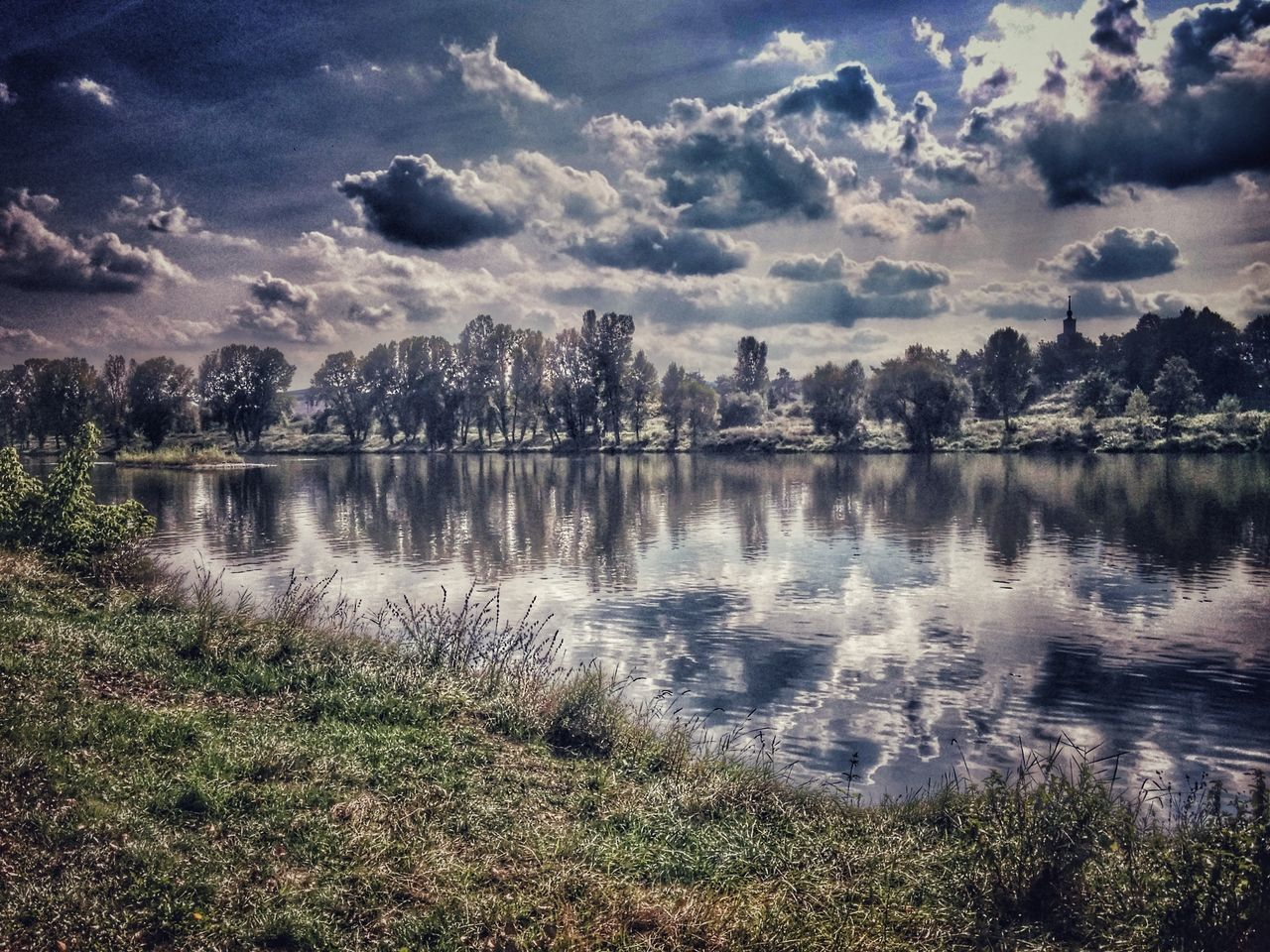 water, lake, nature, cloud - sky, reflection, tranquility, tree, scenics, no people, tranquil scene, sky, outdoors, beauty in nature, day, grass, landscape, travel destinations