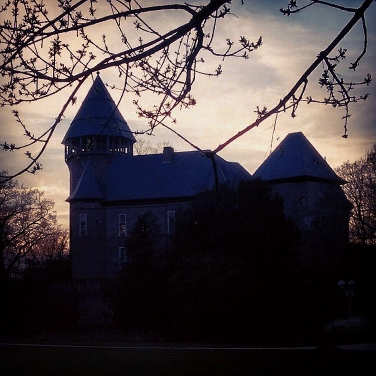 LinnerBurg am Abend die zweite. Linn Burg BurgLinn Krefeld