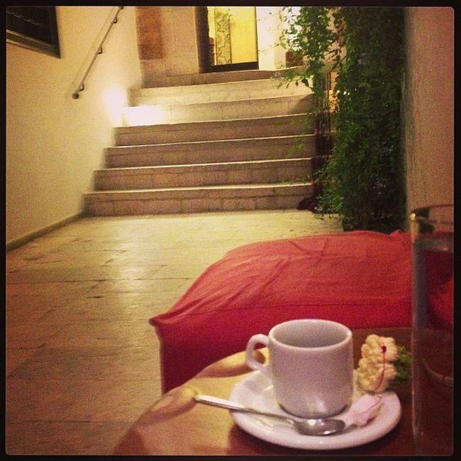 un café turc au senteur du jasmin à Dar Medina Cafesbenyedder InstaTunis instagramtn layeliramadan instafood tunisie instajaw 2013