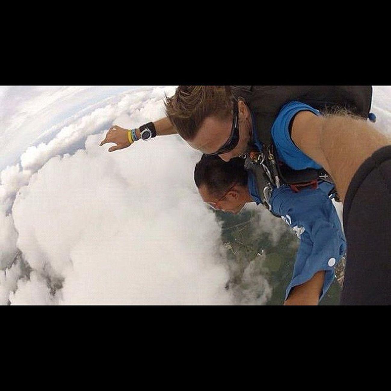 雲の上にいる〜♪ Sky Guam Gopro Skydive Webstagram Hafaadai グアム スカイダイビング ソラトビ