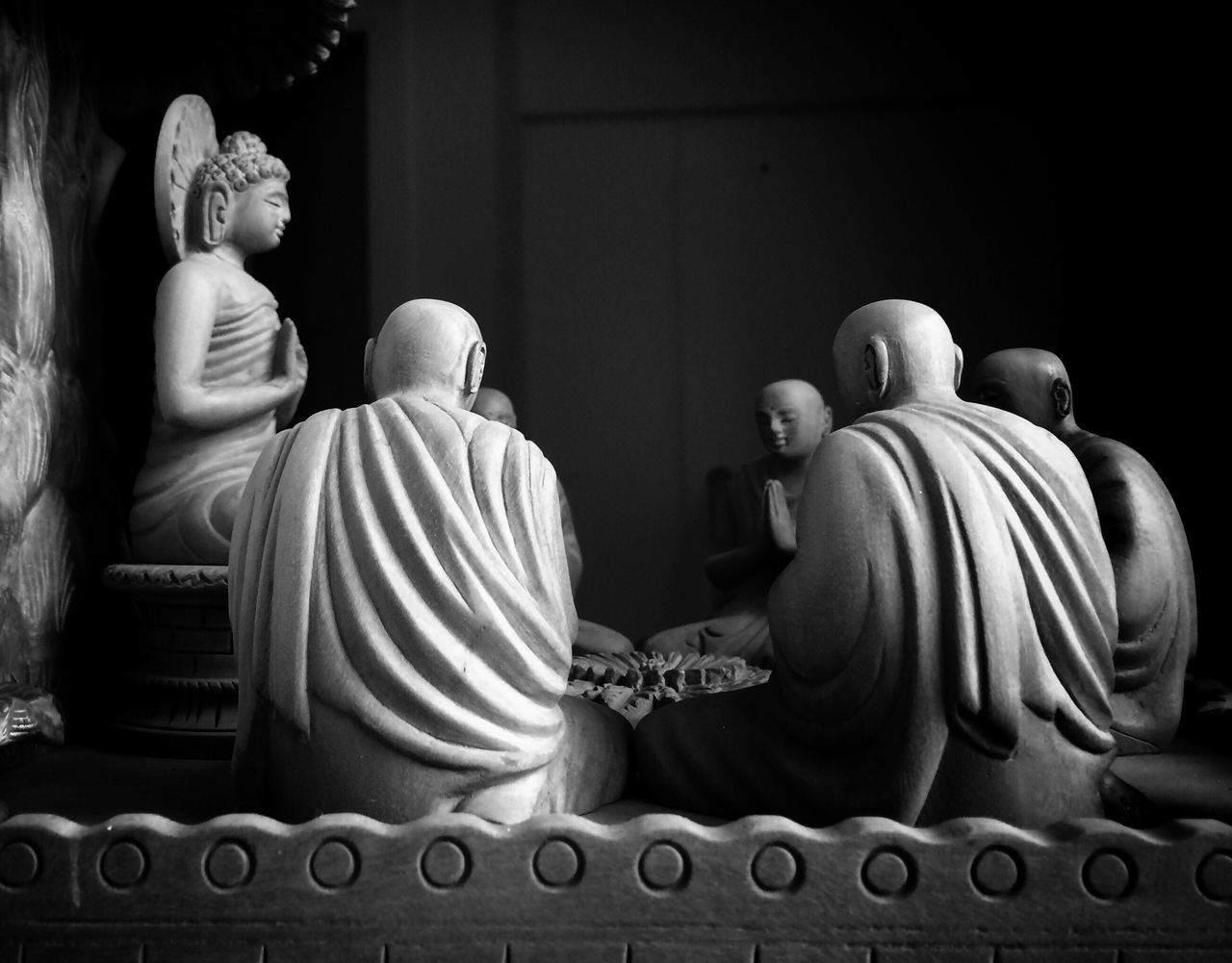 Buddhism Silence Meditation Retreat Sitting