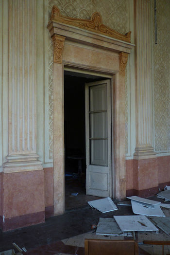 Abandoned Alella Architecture Decay Door Doorway Empty Forgotten Governor Mansion No People Room Space Spaın The Secret Spaces Thesecret Time Wallpaper