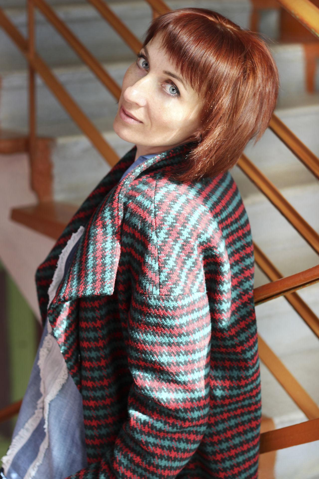 осень девушка лестница Школа рыжий солнце блеск сияние глаза  доброта мечты надежда ступеньки отражение свет Art Is Everywhere
