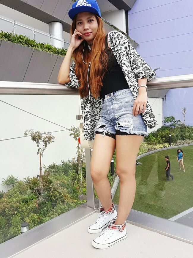 Hi Ootd Park - Man Made Space Clear Sky Simple Things Are The Best  Light Makeup My Look Of The Day !!! Casual Look Filipina Beauty Stay True, Be YOU ❥ Keepitsimple Simply Stunning Simple Things Are The Best  Women Of EyeEm Keeping It Classy Be Yourself Let's Do It Chic! Casual Clothing Young Women Natural Beauty Filipina My Unique Style Denim Shorts Self Portrait Hi Its Me