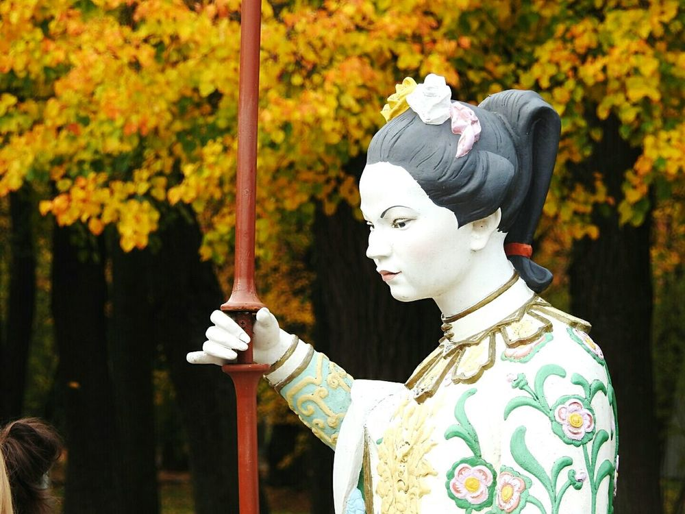 Beauty Cultures Kimono Beauty In Nature Day EyeEmNewHere Park Autumn🍁🍁🍁 Traditional Clothing Statue Colors Of Sankt-Peterburg Pushkin  Sankt-Petersburg Russia
