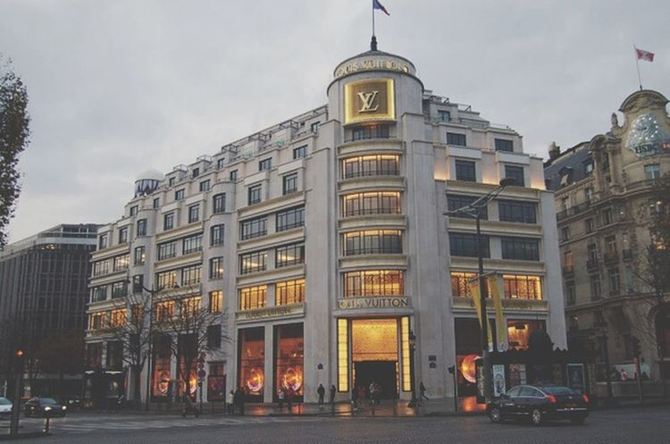 "Paris LV store, ""If I die bury me inside that Louis store"" Paris LV Lifestyle OnAnotherLevel"