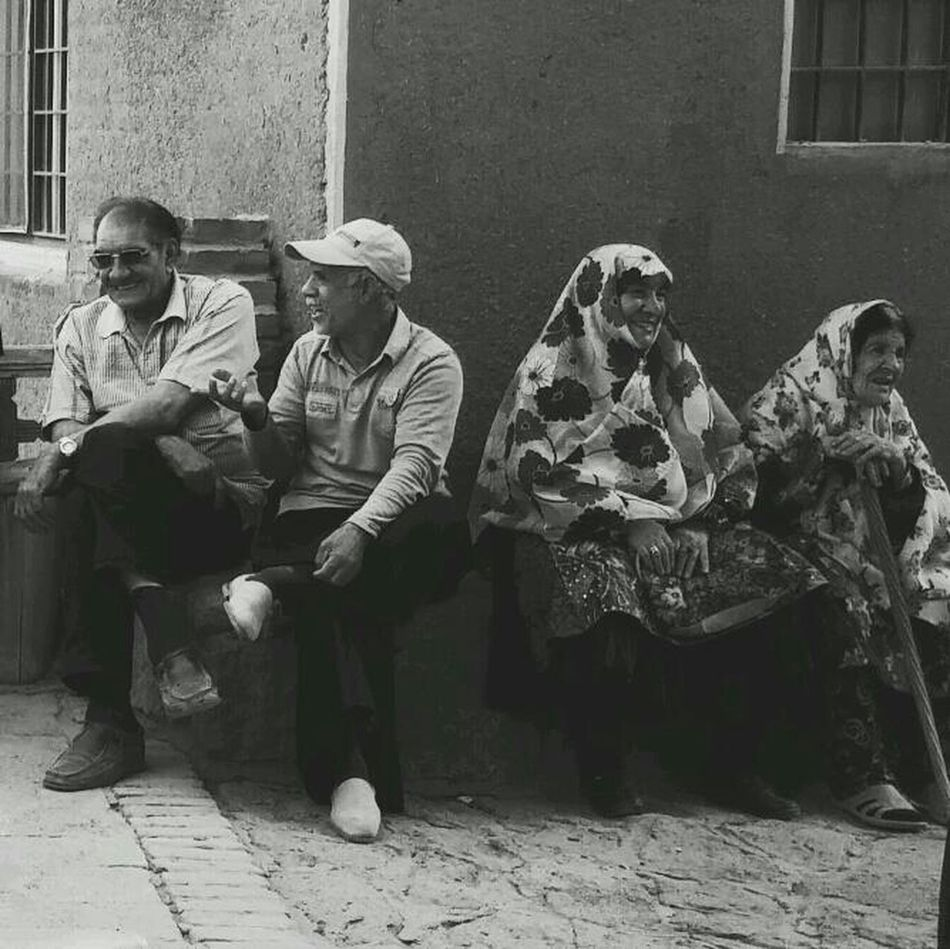 Afternoon chat Monochrome Black & White The Street Photographer - 2014 EyeEm Awards Street Photography