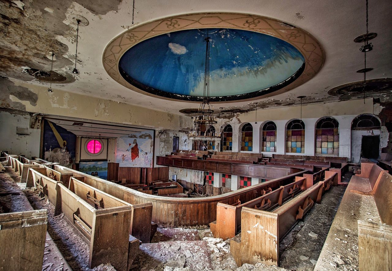 Sinners 😈 Abandoned Church Old Decay Urbex Exploring
