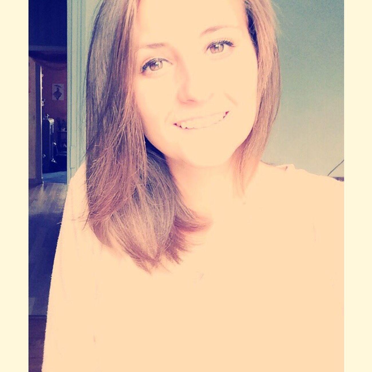 Frenchgirl That's Me Hello World Enjoying Life