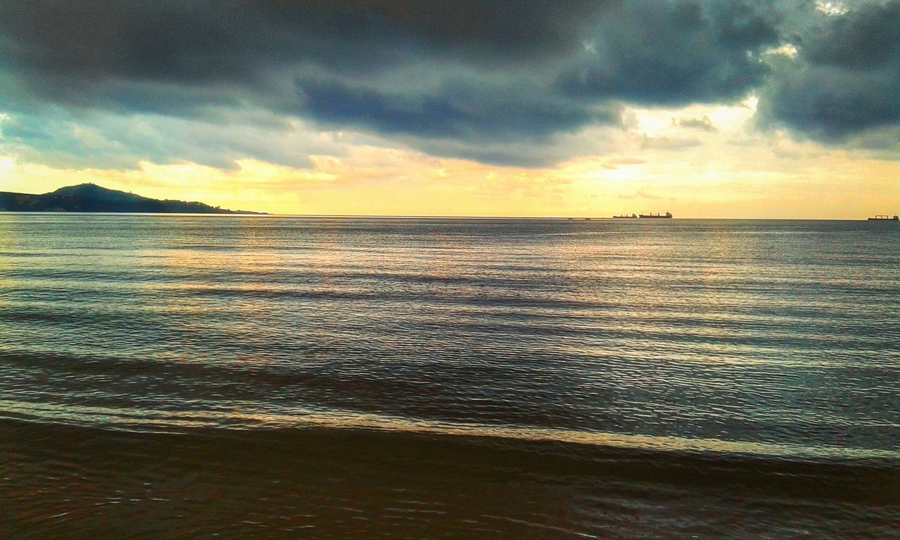 Skyporn Sunset Boats Sky And Clouds Rainy Days Ship Sea And Sky Taking Photos Enjoying Life Grey Sky Beach Seaside Sea View Clouds Beautiful Nature When It's Raining
