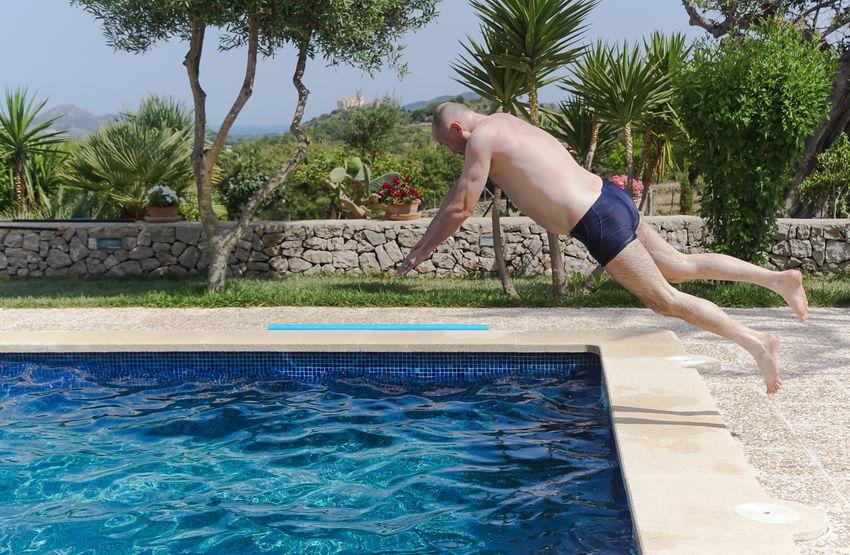 Arschbombe Blue Enjoyment Fun Fun Jump Jumping Leisure Activity Lifestyles Motion Pool Spaß Splashing Spritzen Swimming Swimming Pool Turquoise Colored Urlaub Vacations Water An Eye For Travel