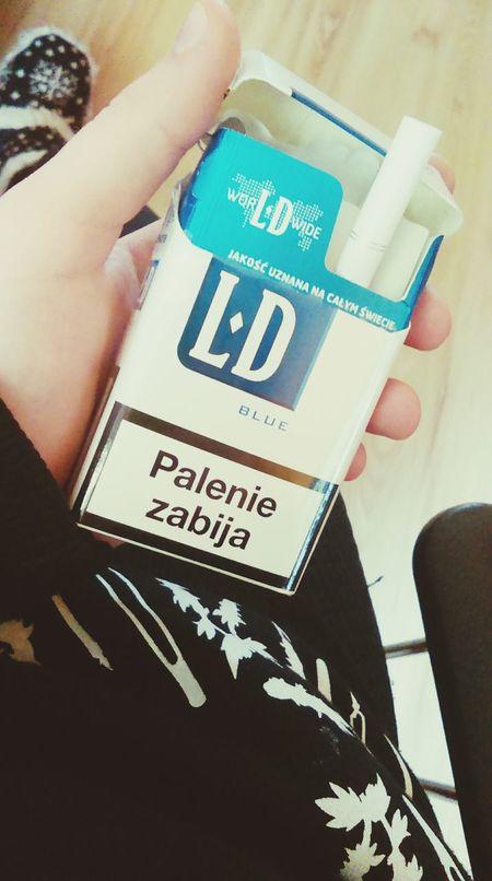 Szlugi  Cigarettes