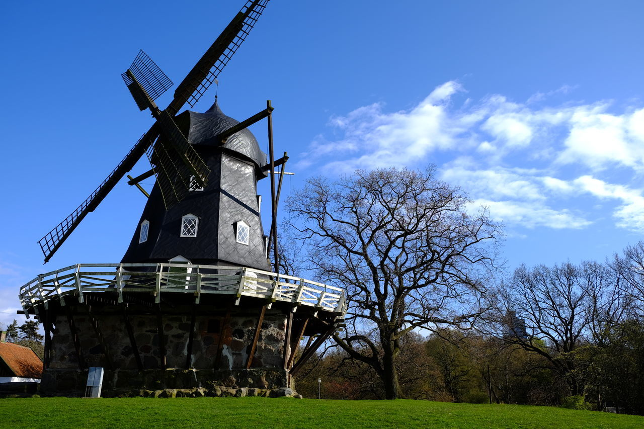 Windmill Garden Park Springtime Blue Sky Castle Mill Slottsträdgården Malmö Sweden