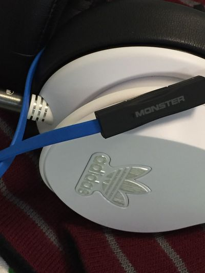No People Indoors  Close-up Day Headphones Headphone Jacks Headphone Headphones On  HeadphonesOnWorldOff Headphonelounge Headphones On!  Headphones On, World Off.