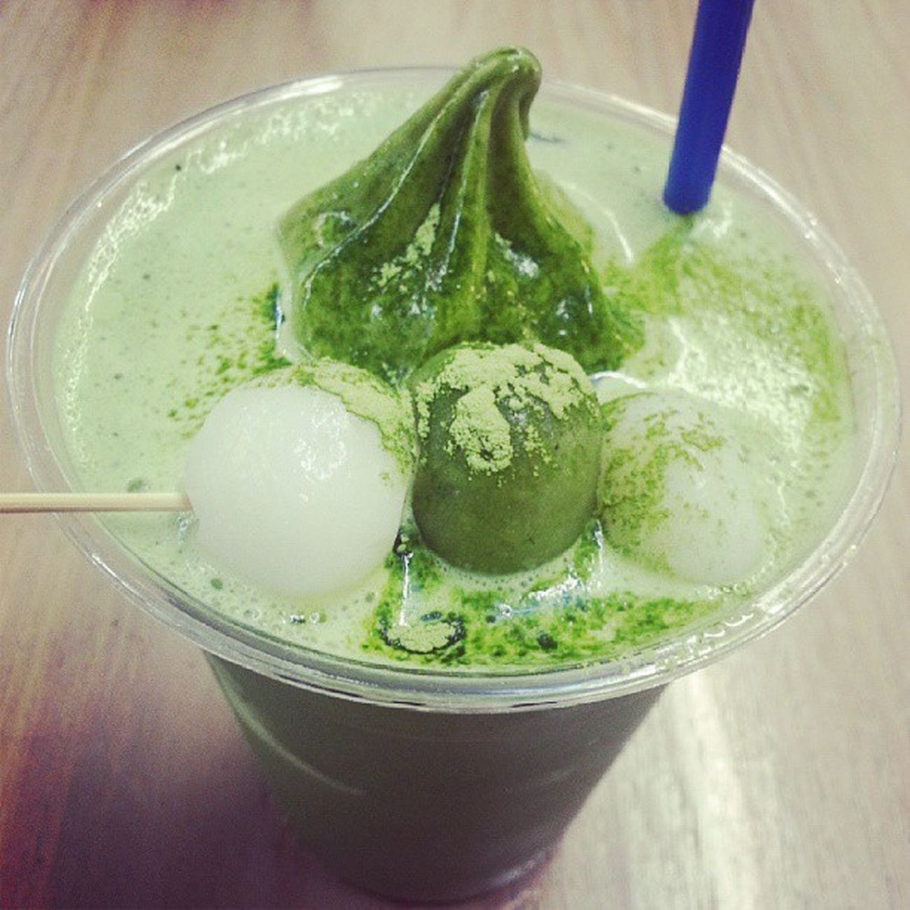 Matcha Shiratoma Float. Greentealove Dontdeservethis Celebratingafteracrappyexamperformance