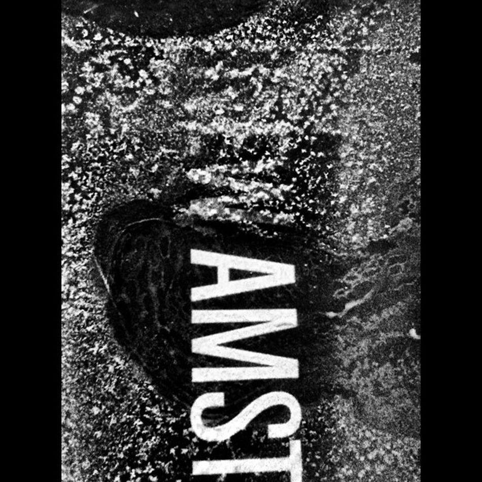 New Amsterdam Gin, frosty :) #blackandwhite #jj IPhoneography Blackandwhite Typography Jj  Jj_forum_0214