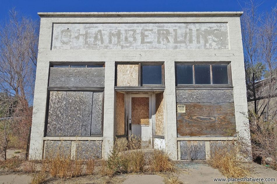 Chamberlin's http://www.placesthatwere.com/2016/07/abandoned-relics-of-past-in-roscoe.html Nebraska Urbex Urban Exploration Roscoe Abandoned Places Ghost Towns Abandoned Ruins Decay Derelict Abandoned Buildings Ghost Town