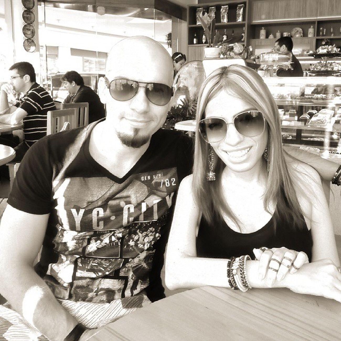 Eu e a minha Sister @lilica_docinho no Villaaffogatocafe saboreando as Delícias