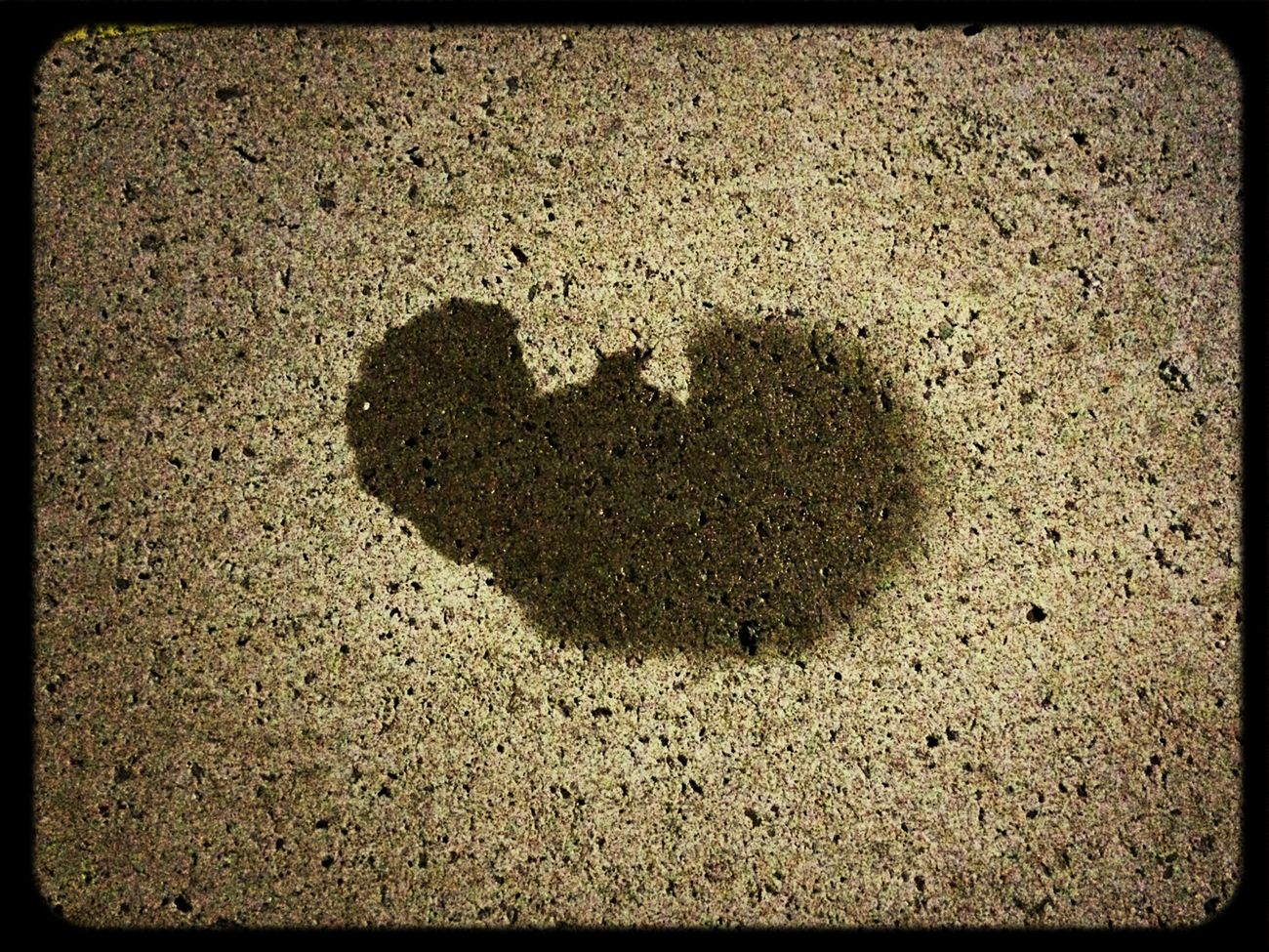 Wu - Tang water Sign on Asphalt :-) Wutang Sign Oldschool Wasserzeichen