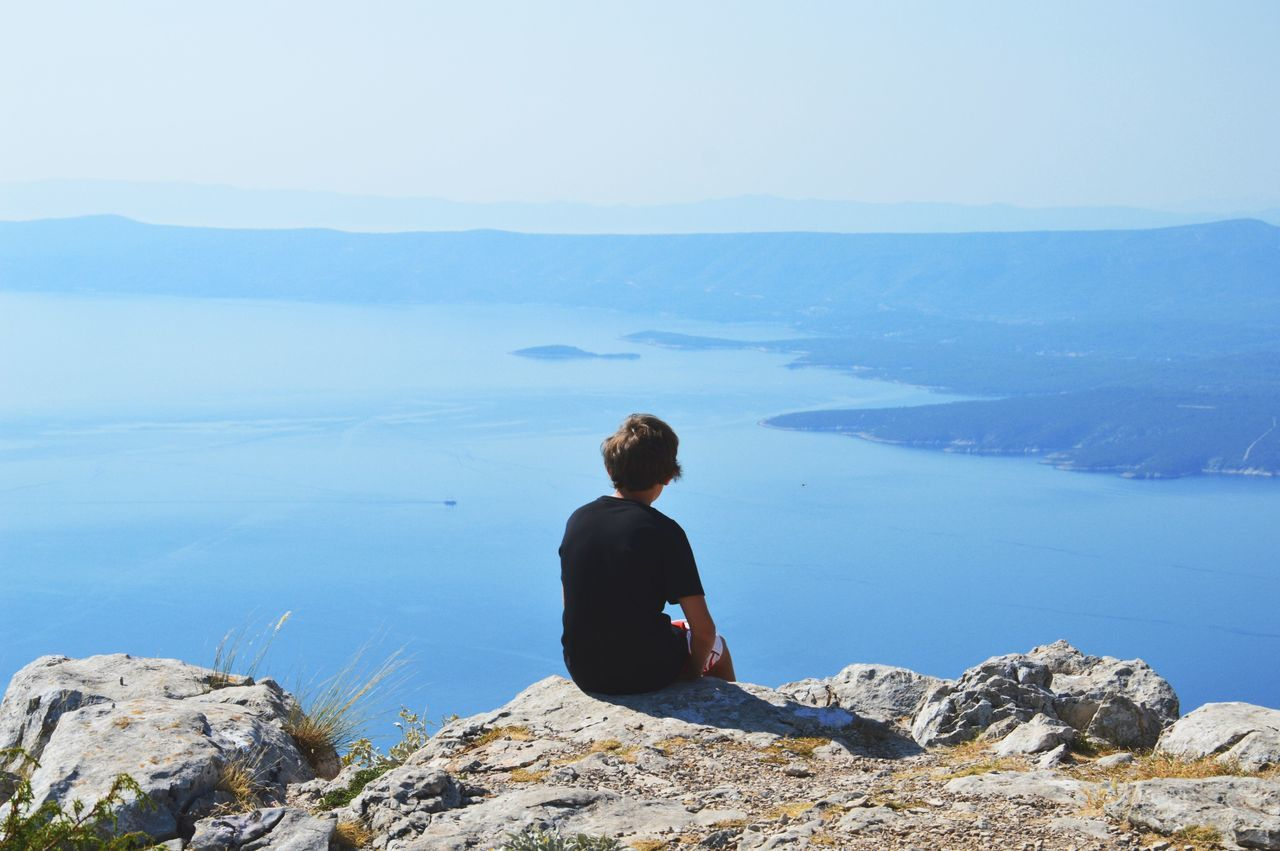 Beautiful stock photos of sonnenschein, Beauty In Nature, Blue, Boys, Cliff