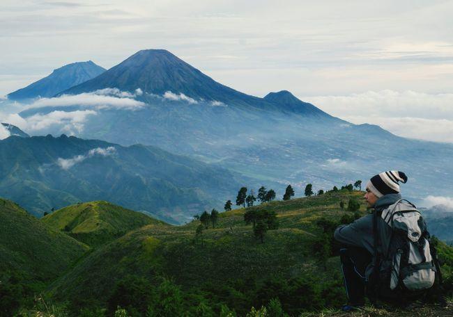 Camping Enjoying The Sun Mountaineering Location : Dieng, Indonesia Gunung Prau
