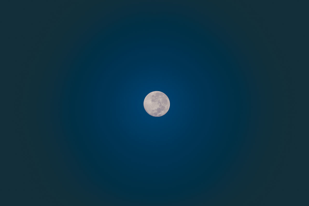 moon, astronomy, beauty in nature, planetary moon, nature, copy space, tranquil scene, moon surface, scenics, tranquility, night, clear sky, low angle view, half moon, no people, outdoors, blue, space, space exploration, sky, crescent