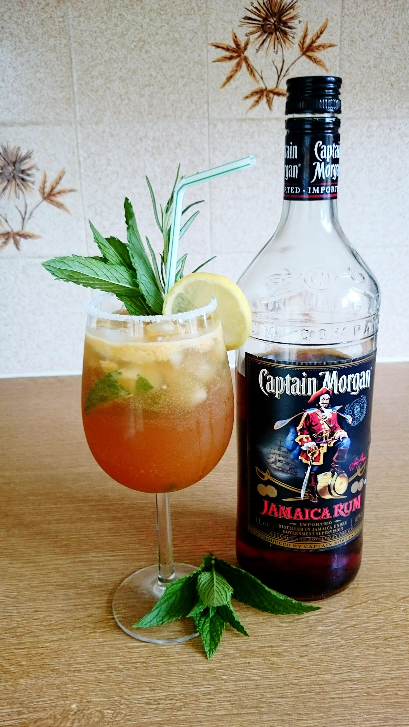 Taking Photos Cocktail Time Captain Morgan Cheers Joinme? Woo Hoo! Enjoying Life Happiness Hello World
