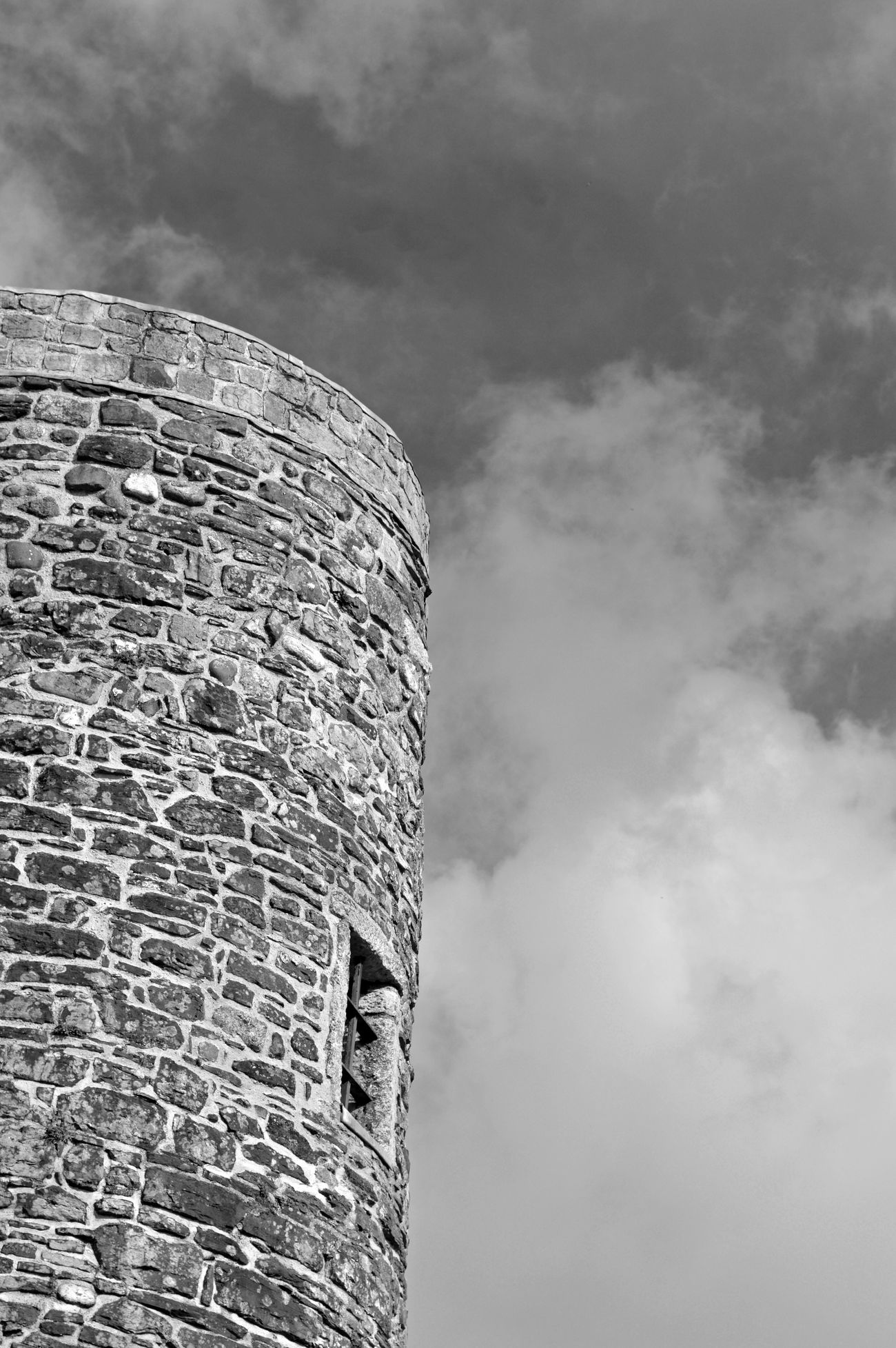 Ypres Tower (Rye Castle) Built Structure Architecture Sky Building Exterior Cloud - Sky Outdoors Blackandwhite Black And White Black & White Blackandwhite Photography Castle Architecture Architecture_collection No People Sky And Clouds Sky_collection East Sussex England Nikon Nikonphotography