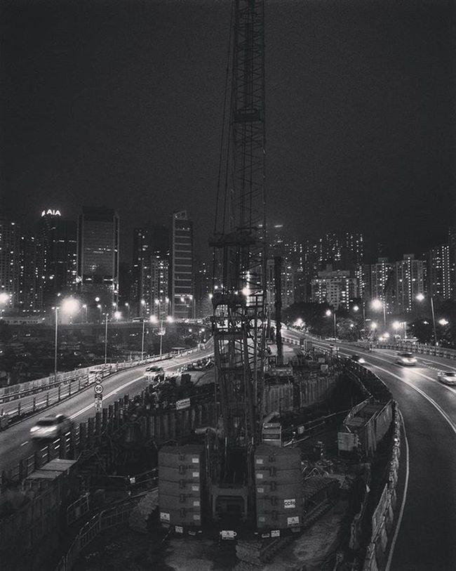 🛣 Night Crane Causewaybay  Buildings Hkig Instameethk Oneplusone Discoverhongkong EyeEm Art Photography Cities At Night