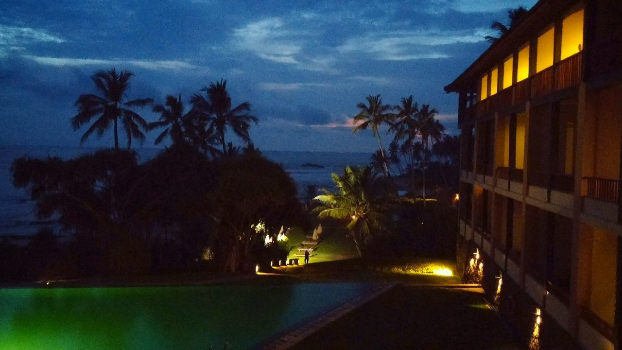 Holiday SriLanka Magic Hour Hotelroomview