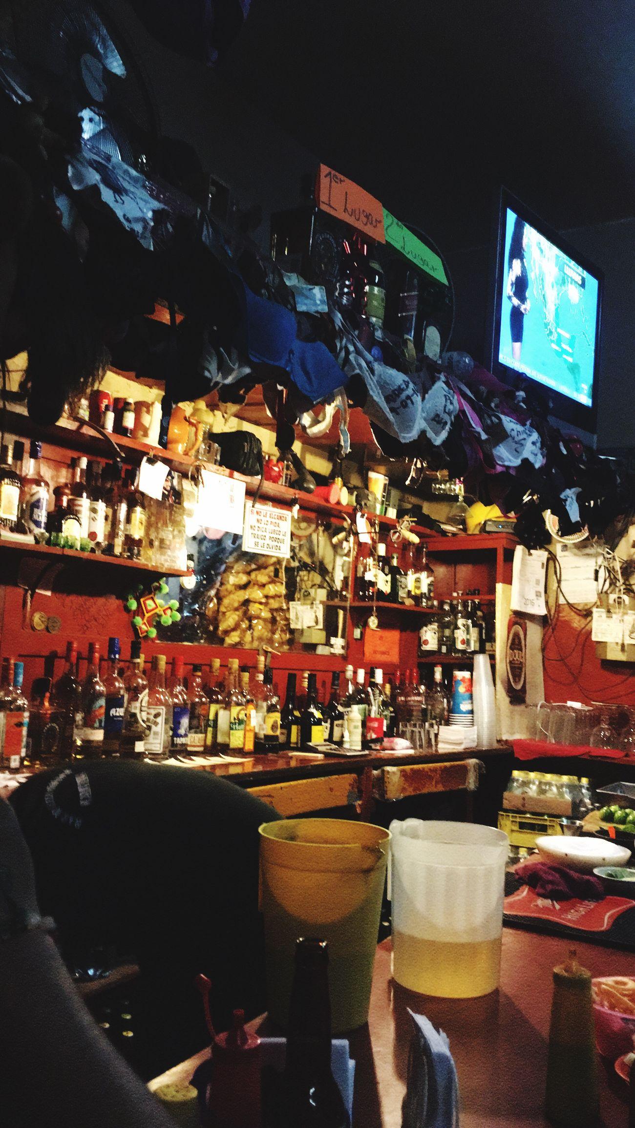 Mozo!! Sírveme otra copa 🍷 No People Illuminated Disfrutando De La Vida Bar - Drink Establishment Night City Dolor Precopa Calamaroquerido