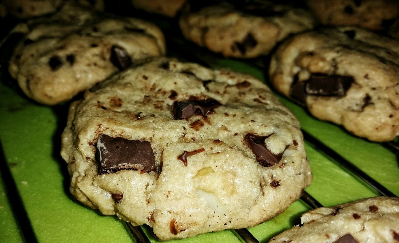 Close-up Food Cookies Baking Baking Cookies Baking Time Chocolate Chip Cookies Vegan Vegan Food Veganfood Veganfoodporn Veganfoodshare Veganism VEGANLIFE Veganshare