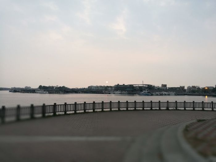 台南安平的夕陽與海 First Eyeem Photo