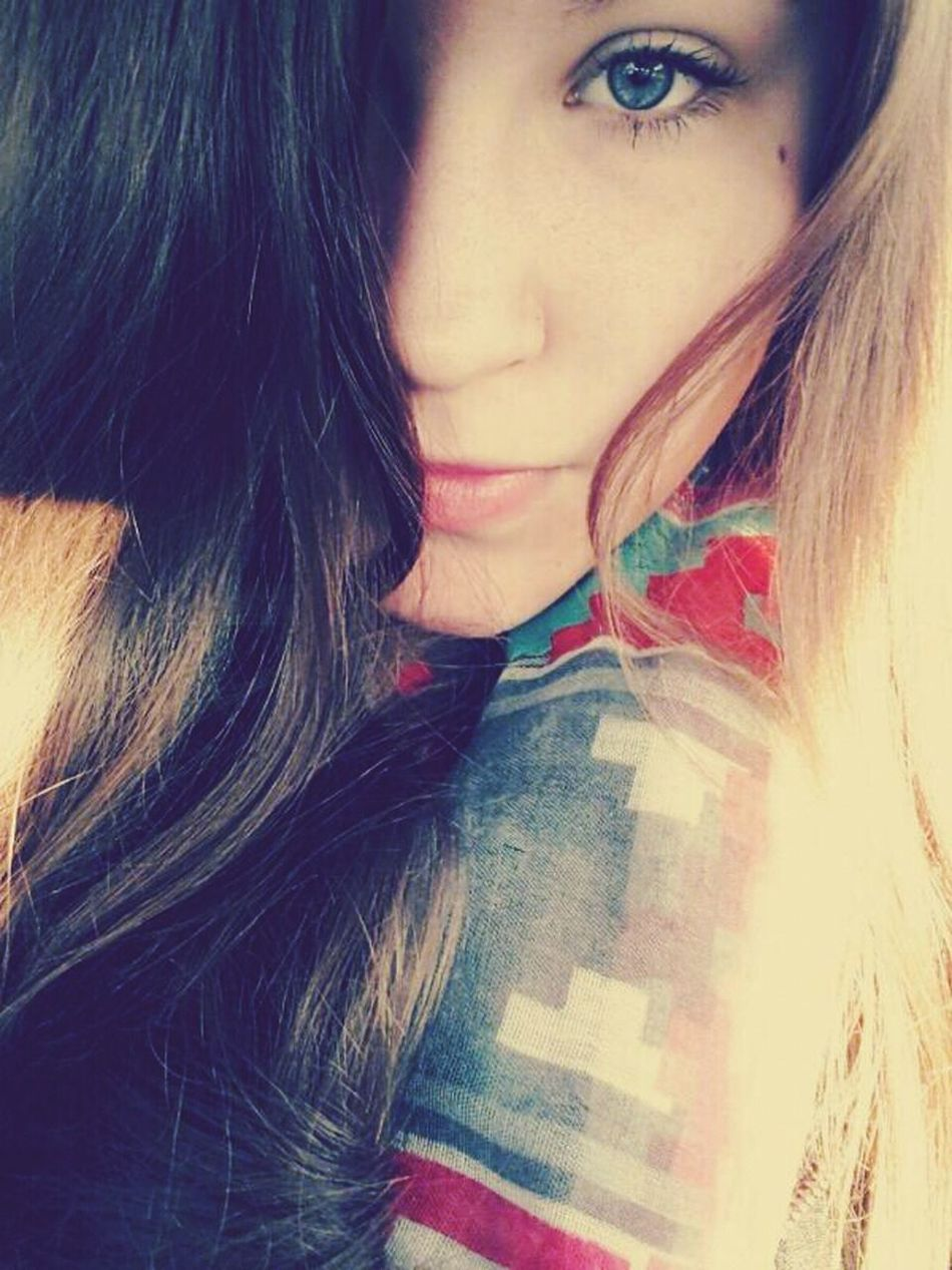 GermanGirl Blue Eyes Lips Falltime