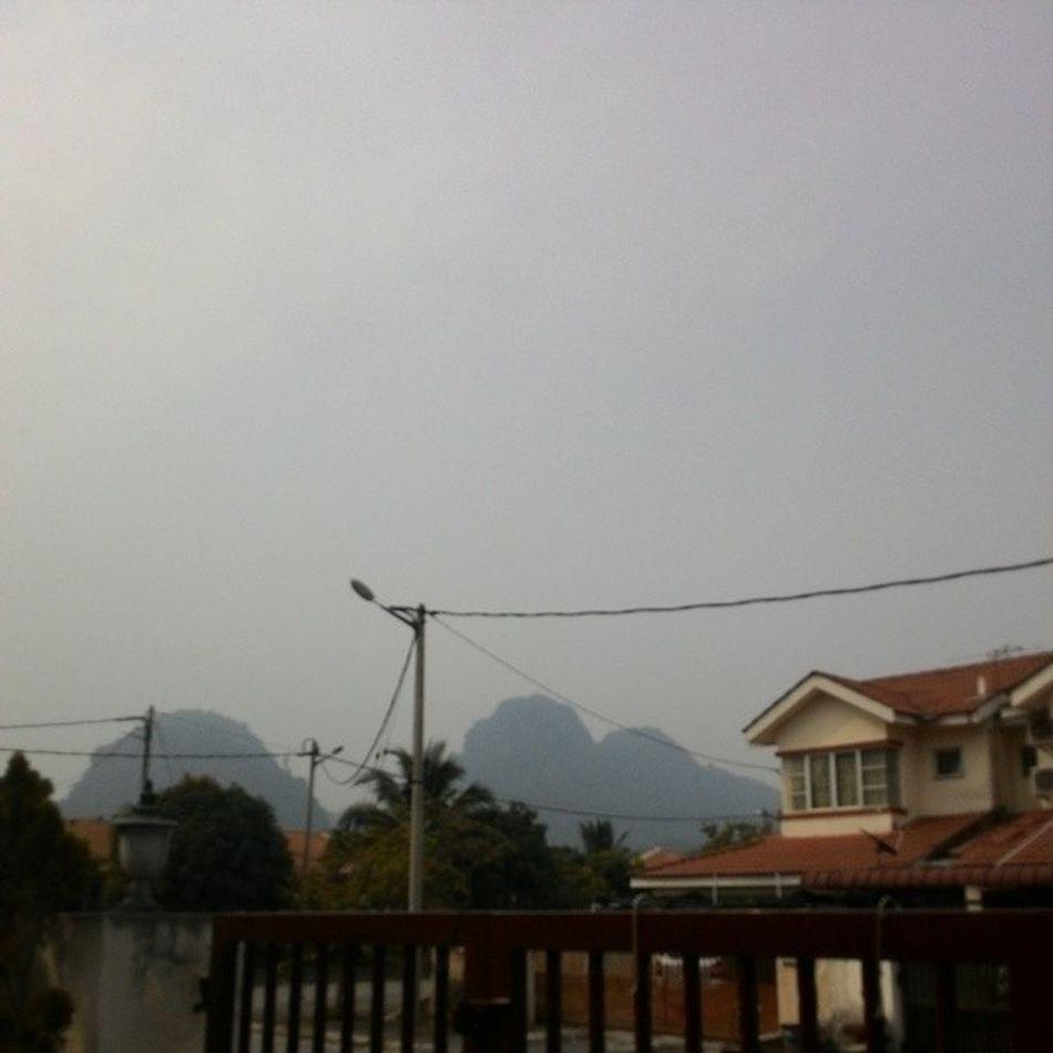 The haze is back and is contributing to the damn heat. HOTTTTTTTTT