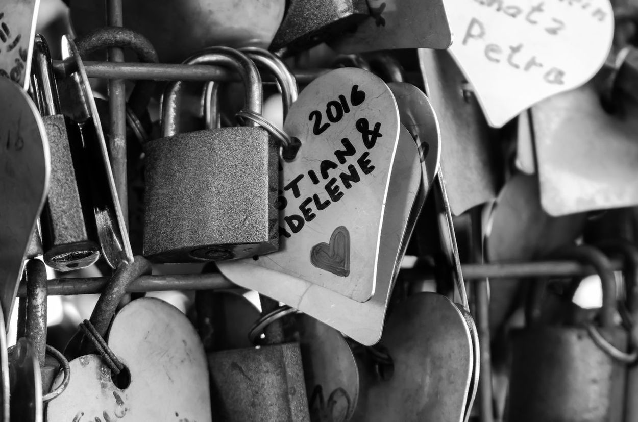 Love Messages Black & White Padlock Love Black And White Blackandwhite Detail Blackandwhite Photography Bnw Close-up Eye4photography  EyeEm EyeEm Best Shots EyeEm Bnw EyeEmBestPics Heart Hearts Minimal Minimalism Minimalobsession EyeEm Gallery Taking Photos Portugal Monochrome Photography