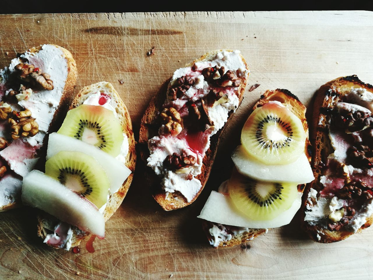 Una buonissima colazione fatta da @aleksandrajurkiewicz Breakfast Good Morning Toastbread Kiwi Wot Cheese! Chery Syrup Lifestyles Mangiaresano Noci Sciroppodiamarena Ricotta Panetostato