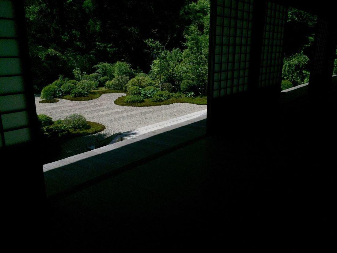 龍潭寺。浜名湖をかたどった枯山水。