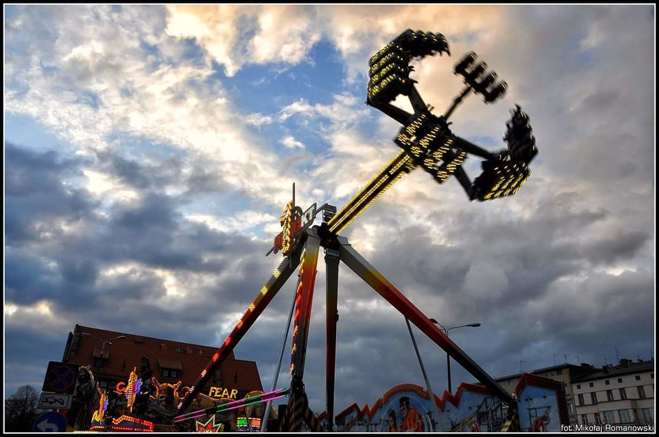 Devils Ride Sky Pendulum Crazy Bydgoszcz Clouds Fun Park
