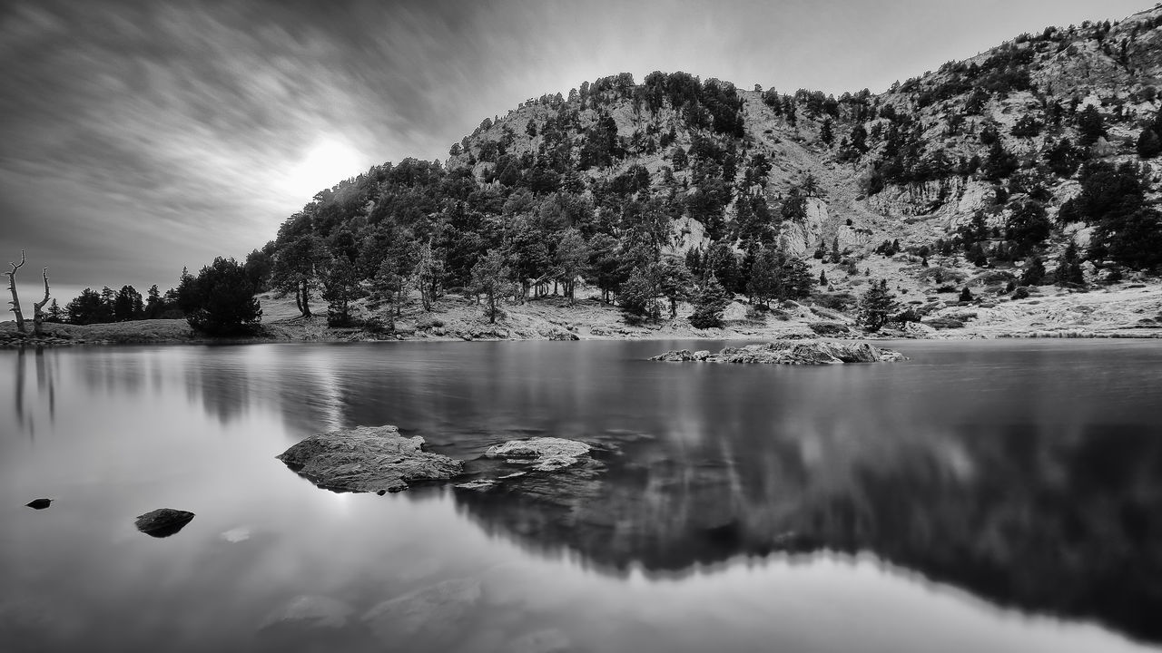 Un paysage ne ment pas, mais le regard le déguise. Lac Achard, Chamrousse ND1000 Alps Beauty In Nature Blackandwhite Bw Contrast Day Exposure France Lake Landscape Light Monochrome Mountain Nature Neutral Density Filter No People Outdoors Reflection Reflection Rhonealpes Scenics Sky Time Tree Water